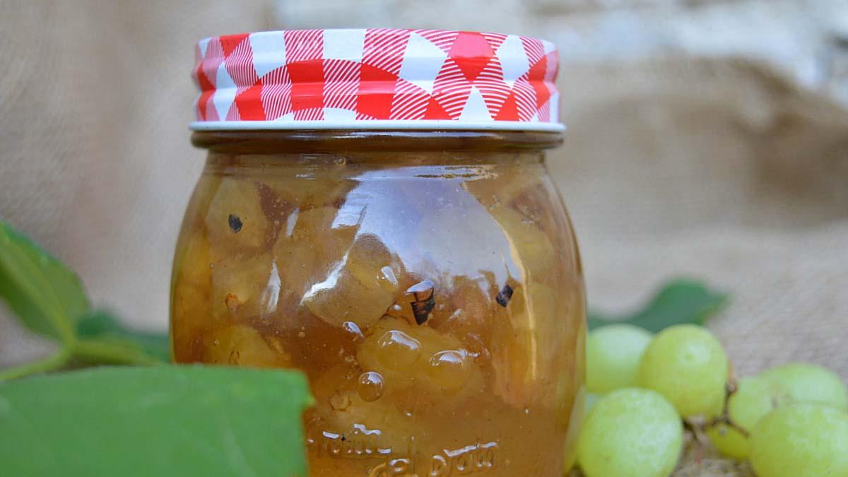 Dulceata-naturala-de-struguri-verzi agurida